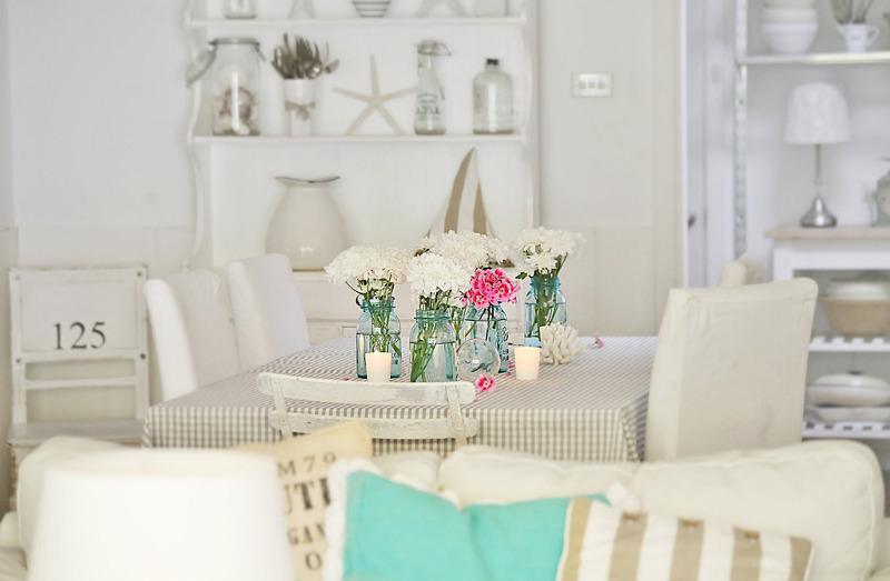 biała-jadalnia-w-stylu-marynistycznym-coastal (2)