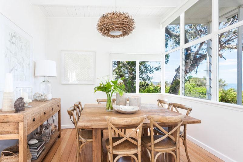 jadalnia-stół-lampa-w-stylu-coastal-marynistycznym